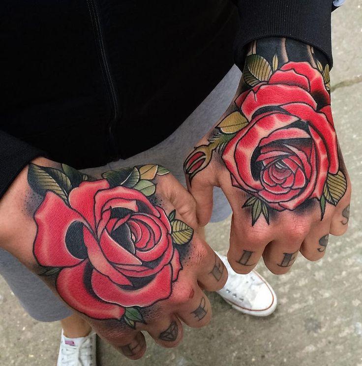 Cliquez sur une image pour zoomer et afficher les photos de tatouage de rose  sous forme de diaporama !
