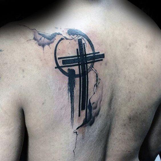 Croix Chrétienne Tatouage tatouage croix pour homme et femme : 50 idées et photos !
