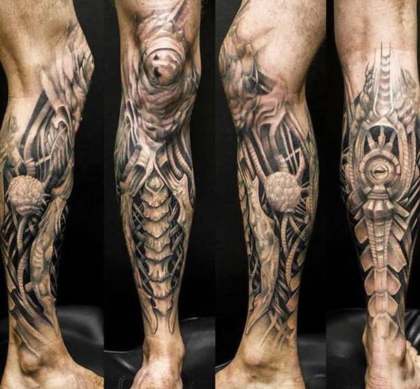 Cliquez sur une image pour zoomer et afficher les photos de tatouage  biomécanique sous forme de diaporama !