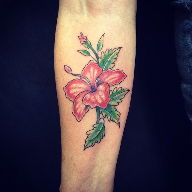 Tatouage Fleur D Hibiscus 50 Photos Et Idees Geniales