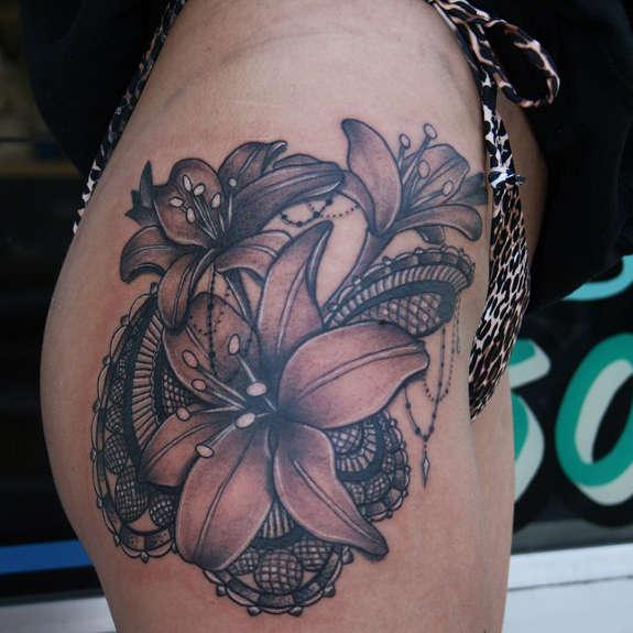 Tatouage Fleur De Lys 50 Idees Et La Signification