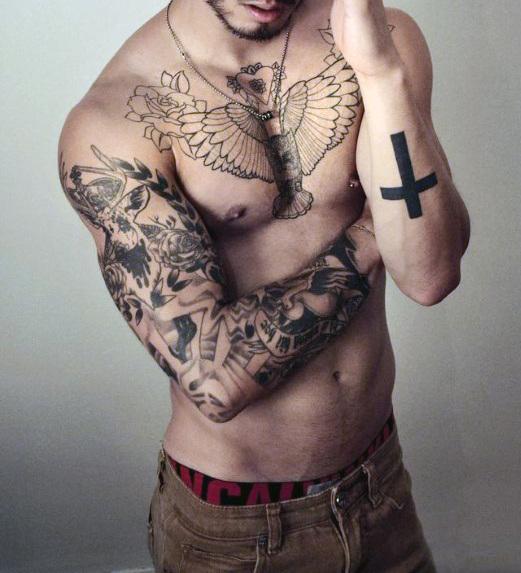 tatouage ailes homme dos